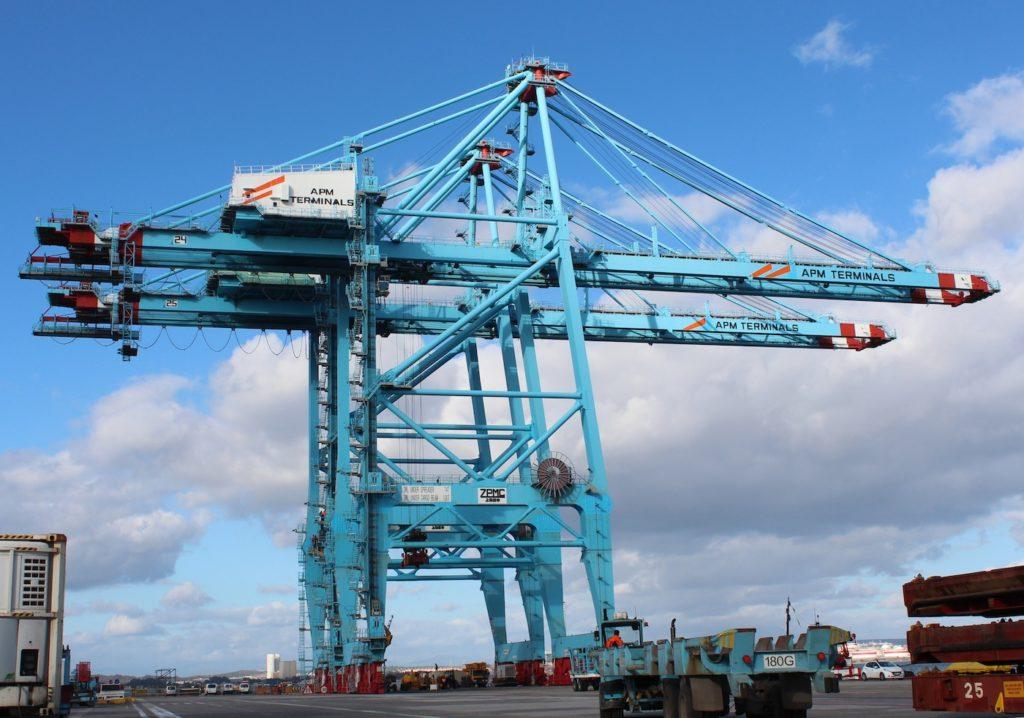 Gruas-APM-Terminals-Algeciras-para-descargar-mega-buques