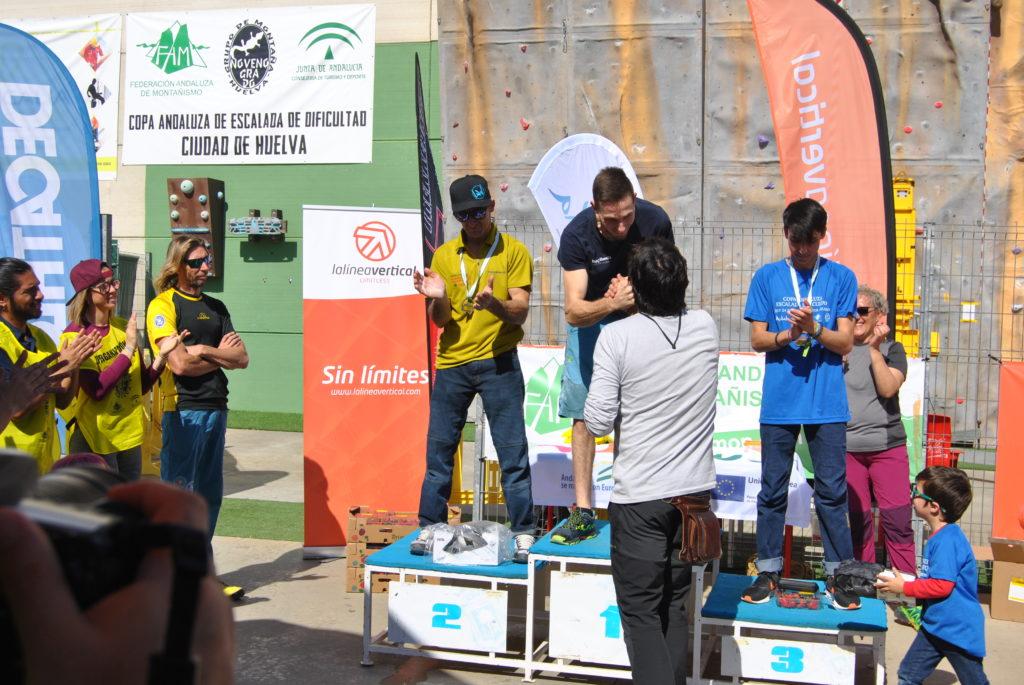 LA LÍNEA VERTICAL patrocina la Copa de Andalucía de Escalada de Dificultad