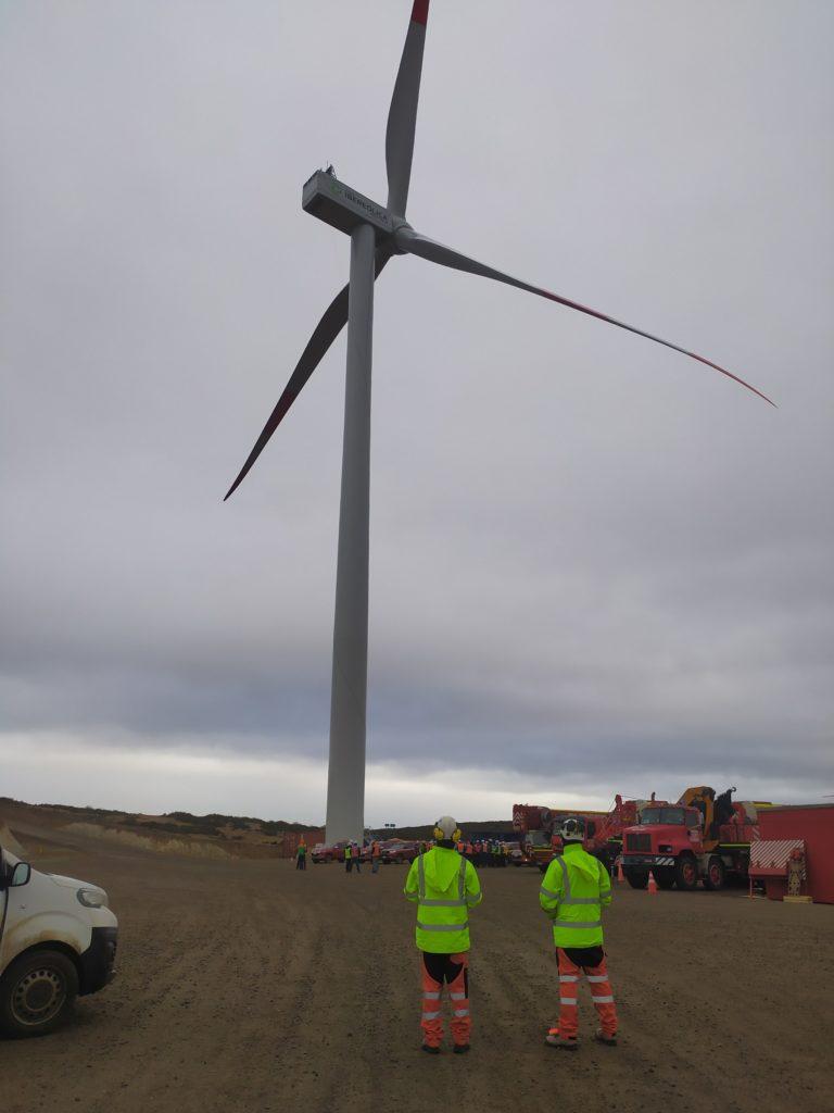 LA LÍNEA VERTICAL Chile abre nuevo departamento de mantenimiento para aerogeneradores