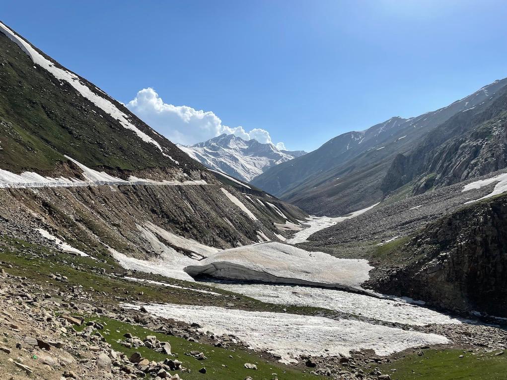 La expedición de Enrique Osiel y el Club Alpino Ama Dablam, cerca de alcanzar el Campo 2 del Nanga Parbat